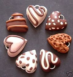 Yum-- 7 Sweet Kitsch Chocolate Heart Charms Polymer Clay by Dreamy, Crea Fimo, Polymer Clay Kunst, Cute Polymer Clay, Cute Clay, Polymer Clay Miniatures, Fimo Clay, Polymer Clay Projects, Polymer Clay Charms, Polymer Clay Creations