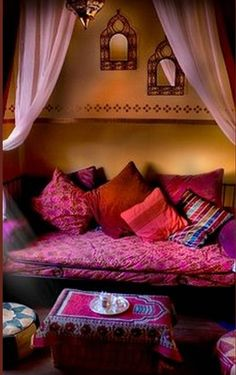 Design, Furniture and Decorating Ideas home-furniture.ne… - Bohemian Home Living Room Moroccan Bedroom, Moroccan Decor, Indian Bedroom, Moroccan Lanterns, Moroccan Interiors, Moroccan Colors, Moroccan Furniture, Design Marocain, Home Interior