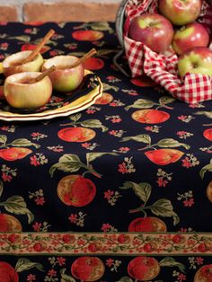 Apple Tablecloth   Table Linens & Kitchen, Tablecloths :Beautiful Designs by April Cornell