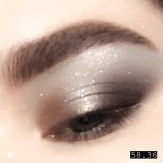 VIDEO TUTORIAL: Learn how to create this champagne silver and gold sparkly eye makeup look created using Pat McGrath Labs 'MOTHERSHIP IV: Decadence' eyeshadow palette Sparkly Eye Makeup, Korean Eye Makeup, Dramatic Eye Makeup, Purple Eye Makeup, Eye Makeup Steps, Colorful Eye Makeup, Eye Makeup Art, Makeup For Green Eyes, Natural Eye Makeup