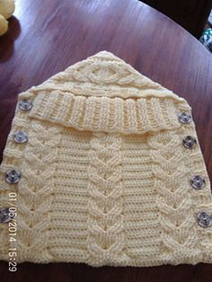 Ravelry: Crochet Horseshoe Cabled Bunting pattern by Kimberly Figgs