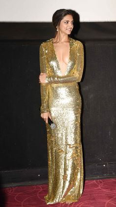 While Priyanka Chopra's Ralph Lauren number was a hand-embroidered gown, Deepika Padukone's Naeem Khan gown was a sequin gold.