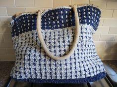 Tas, om een AH tas gehaakt