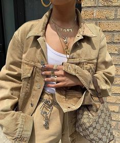 🐪 all beige colored outfit cute casual beige denim jacket accessories gold necklaces rings belt Gucci bag on IG Mode Outfits, Trendy Outfits, Summer Outfits, Girl Outfits, Fashion Outfits, Womens Fashion, Winter Outfits, Travel Outfits, Looks Style