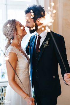 Weil die Funken sprühen dürfen! Seht hier einen Styled Shoot von der Fotografin Meltem Salb als Inspiration für eine elegante Hochzeit.