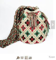Video, Wayuu Mochill Bag, Handbag How? Wiggly Crochet, Knit Or Crochet, Crochet Stitches, Crochet Handbags, Crochet Purses, Mochila Crochet, Tapestry Crochet Patterns, Tapestry Bag, Crochet Buttons