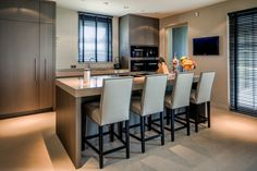 The Netherlands / Private Residence / Kitchen- And Dining Room / RMR Interior / Eric Kuster / Metropolitan Luxury