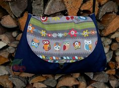 Messenger Bag, Backpacks, Austria, Bags, Create, Rug Hooking, Dime Bags, Kids Wagon, Owls