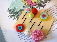 Cute DIY Bobby Pins -- go all the way to the bottom for 800+ DIY projects from Tip Junkie