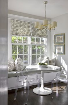Wouldn't be my pick for furniture, but I really like the setting. Dining Nooks