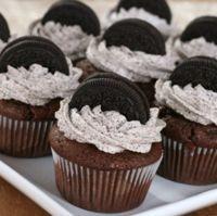 Die Oreo-Cupcakes sind für jeden Anlass geeignet. Zubereitung: