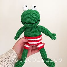 free frog pattern (gratis patroon kikker ) – Best Baby And Baby Toys Crochet Frog, Love Crochet, Crochet For Kids, Diy Crochet, Crochet Baby, Amigurumi Doll, Amigurumi Patterns, Crochet Patterns, Crochet Tutorials