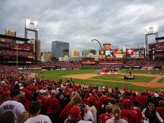 St. Louis has historically the most good natured and friendly people. They're welcoming to all visiting players and fans. | 15 Reasons You Should Be Rooting For The St. Louis Cardinals
