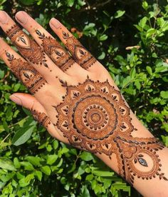 Pretty Henna Designs, Floral Henna Designs, Finger Henna Designs, Latest Bridal Mehndi Designs, Henna Art Designs, Mehndi Design Pictures, Modern Mehndi Designs, Mehndi Designs For Beginners, Wedding Mehndi Designs