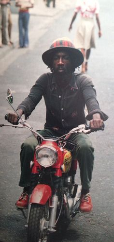 Dancehall Reggae, Reggae Music, Champion System, Vintage Moped, Reggae Artists, Jamaican Music, Rocker Style, Well Dressed Men, Music Love
