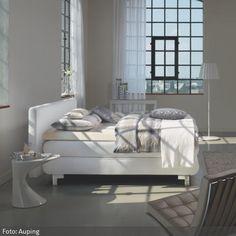 Boxspringbetten – Porsche unter den Betten. Sie sehen opulent aus, sind preislich etwas gehobener, bieten dafür ganz besonderen Komfort und ein großartiges Schlafgefühl - mehr auf http://www.roomido.com/wohntrends-einrichtungstipps/einrichten-nach-raeumen/schlafzimmer-1/boxspringbetten.html