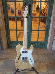 Fender Classic Series 72 Telecaster Thinline Electric Guitar Natural w/ Gig Bag