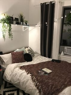 Bedroom Wall Decor Ideas Small Rooms Inspiration is extremely important for your home. Whether you pick the Ideas For Decorating Bedroom Walls or Bedroom Wall Decor Ideas Small Rooms Headboards, you w Bedroom Wall, Bedroom Decor, Wall Decor, Bedroom Inspo, Bedroom Inspiration, Girls Bedroom, Shelf Inspiration, Trendy Bedroom, Design Inspiration