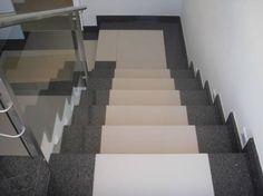 Escada de porcelanato com granito - fotos Stairs Tiles Design, Staircase Railing Design, Tiled Staircase, Marble Stairs, Tile Stairs, Glass Railing, Tile Design, Stair Decor, Granite Flooring
