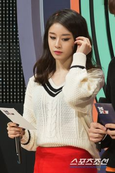 Check out T-ara JiYeon's MC Cuts from SBS MTV's 'The Show' ~ T-ara World ~ 티아라