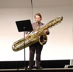 Woah. Contrabass Saxophone, French Horn, Band Memes, Sweet Life, Music Stuff, Art Music, Musical Instruments, Violin, Jazz