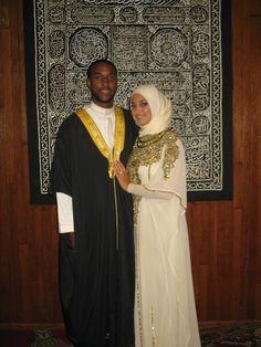 Kinda love her kaftan Muslim Brides, Muslim Women, Muslim Nikah, Cute Muslim Couples, Cute Couples, Beautiful Couple, Beautiful Bride, Turban, Husband And Wife Love