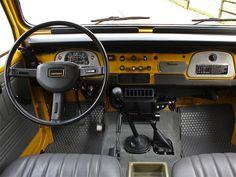 Land Cruiser FJ40 interior