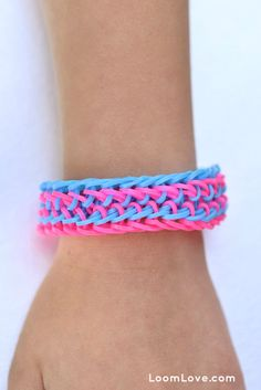 How to Make a Rainbow Loom Fishy Gills Bracelet
