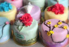 More pastel mini cakes Pastel renklerde mini düğün pastaları