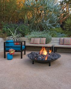 The old lawn area will become a new patio area for the bench, Decomposed Granite After it's mechanically compacted, heavyweight DG doesn't become airborne or dusty; it's often mixed with a stabilizing agent that keeps it in place. Gazebo, Pergola, Fire Pit Backyard, Backyard Patio, Diy Patio, Patio Tropical, Decomposed Granite Patio, Ideas Para El Patio Frontal, Fire Pit With Rocks