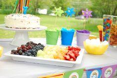 Rainbow Birthday Party Cake - via BirdsParty.com