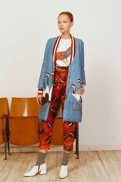 The complete Stella Jean Pre-Fall 2018 fashion show now on Vogue Runway.