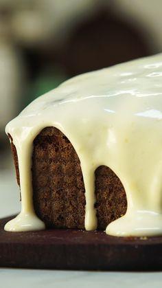 Savory magic cake with roasted peppers and tandoori - Clean Eating Snacks Buckwheat Cake, Baking Tins, No Bake Treats, Cake Tins, Savoury Cake, Carrot Cake, Clean Eating Snacks, Mousse, Cake Recipes