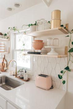Home Decor Kitchen, Kitchen Interior, Home Interior Design, Home Kitchens, Boho Home, House Rooms, Cozy House, Home Decor Inspiration, Decoration