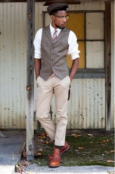 Groom idea...w/ a mint green or turquoise tie.