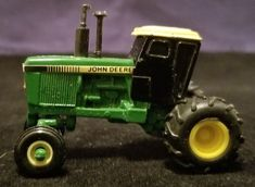 1//64 ertl standi orange allis chalmers color 3 row corn picker farm toy plastic