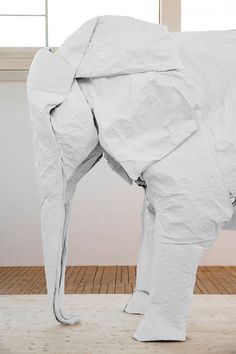 White Elephant by artist Sipho Mabona — a life-size origami elephant folded from a single giant piece of paper Elephant Love, Elephant Art, White Elephant, Elephant Sculpture, Elephant Stuff, Architecture Origami, Grandeur Nature, Origami Artist, Paperclay