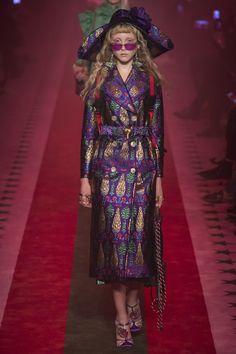 Gucci Spring 2017 Ready-to-Wear Fashion Show - Franny Cowap