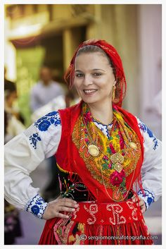 Mediterranean People, People Of The World, Historical Costume, Traditional Dresses, Folklore, Ethnic, Sari, Floral, Costumes
