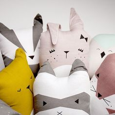 How adorable are these soft toy/cushions from the fabulous Fabelab? There are six friends to choose from – Cute Bunny, Wise Owl, Friendly Fox, Bold Badger, Rascal Raccoon and Lazy Bear –… Baby Decor, Kids Decor, Nursery Decor, Bedroom Decor, Decor Ideas, Softies, Friendly Fox, Animal Cushions, Cute Cushions