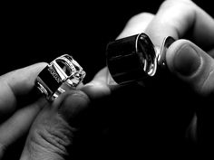From the first stage to execution, the artisans carry out their work: made of discoveries and closely kept secrets, that every master goldsmith has acquired with experience, leading to the production of unique creations, as unique as the expert craftsmanship and sophisticated design of Damiani handmade jewelry, products that are 100% Italian and have given the group the status of ambassadors of Italian style around the world.