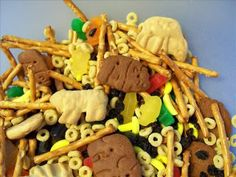 Safari Snack Mix using Animal Crackers!  ok, just getting some ideas for next year :)