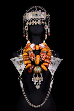 Come and see the beauty of Antique Moroccan BRIDE Jewelry, African Kabyle Silver & Enamel Berber Headdress Antique Jewellery Designs, Antique Jewelry, Jewelry Design, Moroccan Bride, Moroccan Dress, Moroccan Jewelry, Ethnic Jewelry, Coral Jewelry, Silver Jewelry