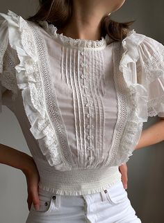 Blouse And Skirt, Blouse Outfit, Lace Outfit, Vintage Outfits, Vintage Fashion, Blouse Vintage, Victorian Blouse, Aesthetic Fashion, Blouse Styles