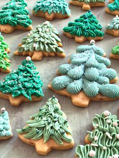 christmas cookies cream cheese Weihnachtspltzchen Almond Ginger Cookies with Cream Cheese Frosting Soft Sugar Cookie Recipe, Soft Sugar Cookies, Ginger Cookies, No Bake Cookies, Cupcake Cookies, Baking Cookies, Iced Cookies, Fun Cookies, Decorated Cookies