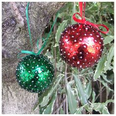 Quick and easy sequin Christmas baubles.