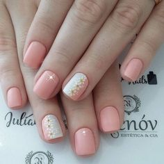 Best Nail Art Designs 2018 Every Girls Will Love These trendy Nails ideas would gain you amazing compliments. Check out our gallery for more ideas these are trendy this year. Fancy Nails, Trendy Nails, Love Nails, Diy Nails, Nail Nail, Short Nail Designs, Best Nail Art Designs, Short Pink Nails, Floral Nail Art