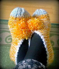 Arkimamman Arkiralli: Isomummilta liuta jämälankatossuja Crochet Socks, Crochet Stitches, Knit Crochet, Loom Knitting, Knitting Socks, Knitting Patterns, Knitting Ideas, Slipper Socks, Slippers