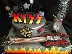Kiss Cake from www.busybcakes.com
