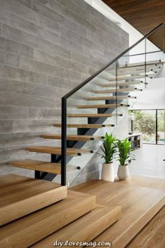 decorate stairs, stairs decor, entryways design, f Stair Walls, Wood Stairs, House Stairs, Home Stairs Design, Modern House Design, Home Interior Design, Stair Decor, Hallway Designs, Modern Stairs